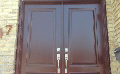 Front double door with skylight