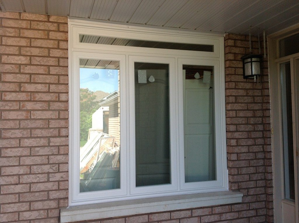 casement with picture window -window replacement toronto