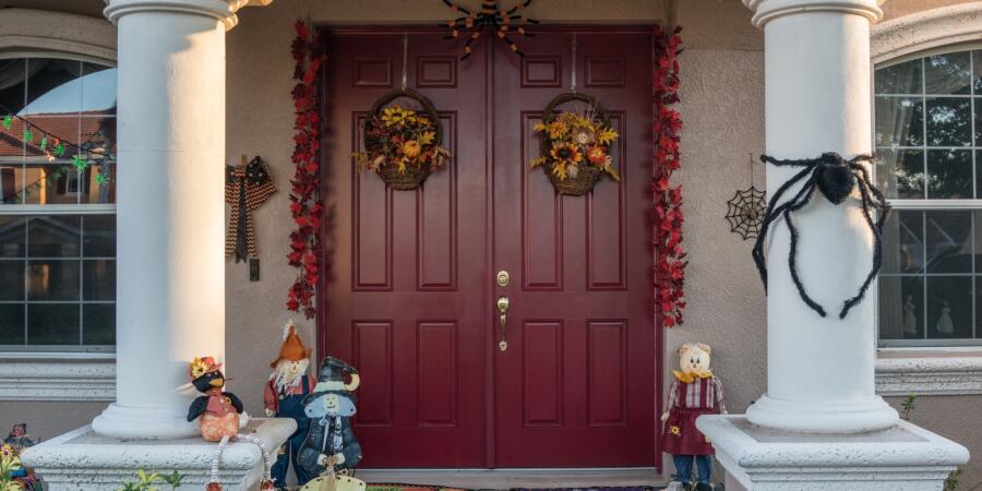 halloween entry door 2