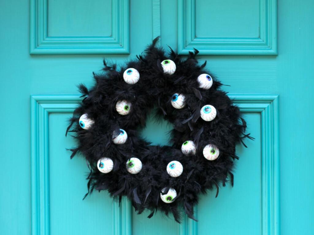 entry door spooky eyes 3