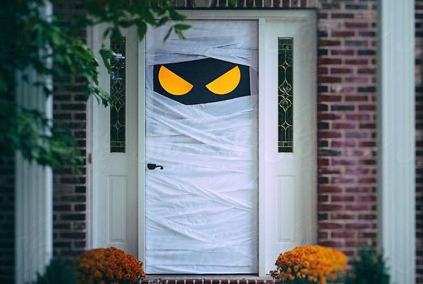 Entry Door Halloween Ideas